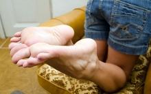 sexy-bare-feet