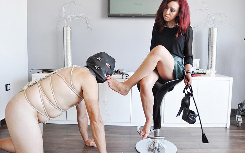 Europaeerin Mosen Sexmaschine Femdom